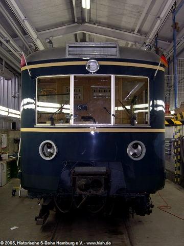 Das Gesicht der Hamburger S-Bahn, auch wenn der letzte blaue 471 bereits im Jahr 2000 aus dem Betrieb ausgeschieden ist, wird wohl jeder Hamburger diese Form wiedererkennen.