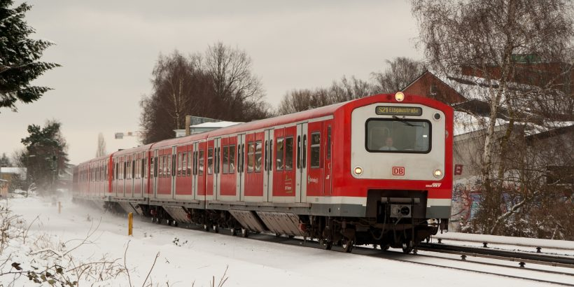 Ein Zug der BR 472/473 im winterlichen Stellingen