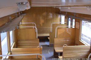 Holzbänke Fahrgastraum ehemalige 3. Klasse, Endabteil